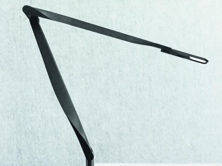 Leon Laskowski | 3D gedruckte Schreibtischleuchte und 3D gedruckte Drehmomentscharniere